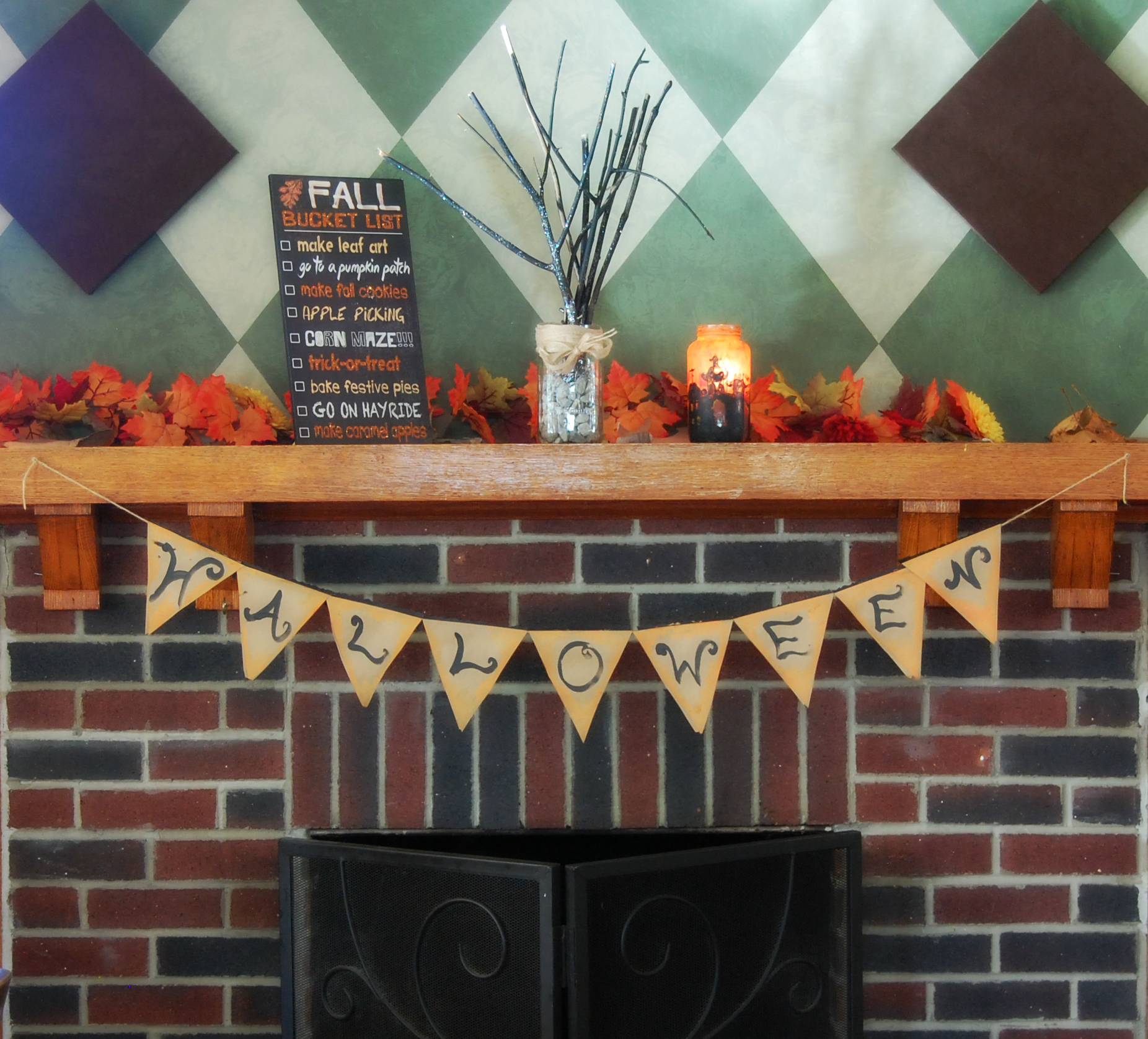 2017-10-09 Halloween Mantle-cropped